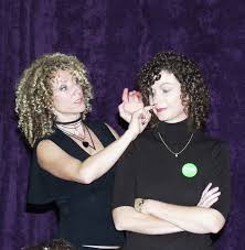 deva cut hairstyle what does a deva cut for curly hair look like quora