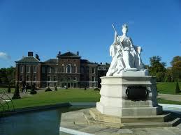 kensington palace tripadvisor queen victoria s statue at kensington palace picture of