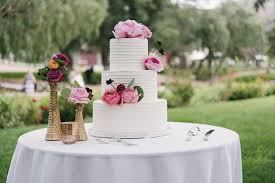 wedding cake cutting 15 wedding cake cutting songs that aren t overplayed weddingwire