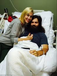 why did jesicarobertson cut her hair duck dynasty s jep robertson reveals he was on life support after