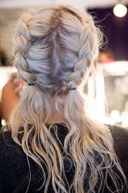 Dirndl Frisuren Mittellange Haare Einfach by Die Besten 25 Frisuren Ideen Auf Halber