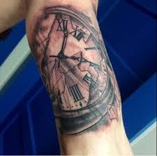 hand on shoulder tattoo 34 incredible broken clock tattoos