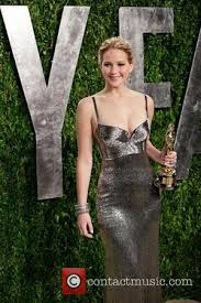 Jennifer Lawrence Vanity Fair Party Jennifer Lawrence Without Makeup But With Cigarettes And Wine