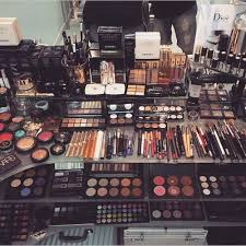 i want a lot of makeup for because i want to start a makeup collection so one day i ll have a lot of makeup to do others so pretty much want
