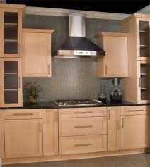 What Is A Shaker Cabinet Best 25 Maple Kitchen Cabinets Ideas On Pinterest Craftsman