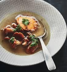 cuisiner des girolles ma recette de bouillon aux girolles laurent mariotte