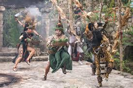 imagenes de rituales mayas tulum méxico febrero de 2017 personas en trajes mayas que