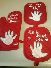 hand print pot holders i let my son help me paint the i love