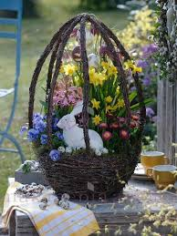 Outside Easter Decor 255 Best Easter Centerpieces And Decorations Images On Pinterest