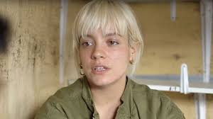 lily allen s been trolled after visiting a migrant c in calais