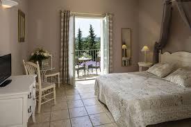hotel avec dans la chambre gard hotel charme pont du gard clos de pradines avec piscine