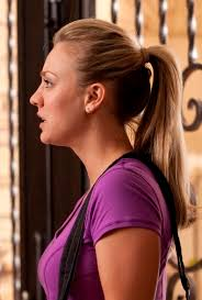 penny bun hairstyle big bang kaley cuoco s perfect ponytail in hop sheknows celebsalon