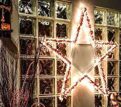 Lighted Christmas Window Decorations Canada by Diy Lighted Christmas Stars Hometalk