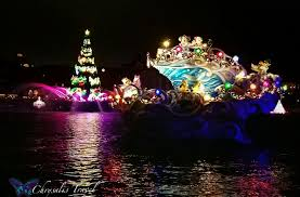 a closer look at christmas celebrations from tokyo disneysea
