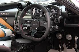 pagani zonda interior pagani zonda oliver evolution specs technical data 21 pictures