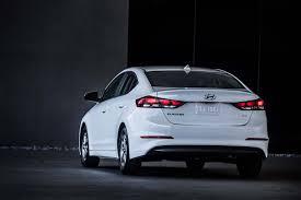 hyundai elantra eco light 2017 hyundai elantra eco drive review motor trend