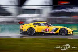 corvette c7 r 4 corvette racing chevrolet corvette c7 r oliver gavin