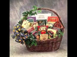 creative gift baskets creative wedding shower gift basket decor ideas