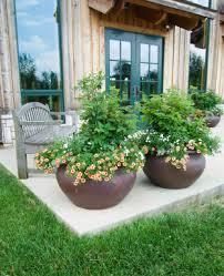 painting plastic garden pots