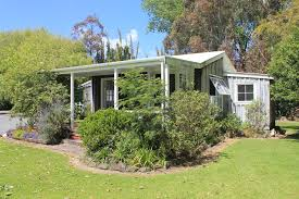 Cottages In New Zealand by Pottery Lane Cottages Coromandel Town New Zealand Booking Com