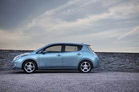 nissan leaf pros and cons 2011 nissan leaf priced 40k in japan 33k for u s buyers