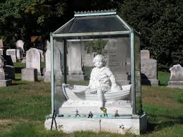 cemetery headstones 15 eye catching headstones that bring humor and beauty to