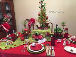 who u2026 loves the grinch u2013 pl8z and tablescapes com
