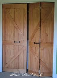 Rustic Closet Doors Make Bi Fold Doors Look Like Rustic Barn Doors Cheap Easy Diy