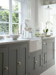 Sink Cabinet Kitchen by Best 25 Builder Grade Kitchen Ideas On Pinterest Builder Grade