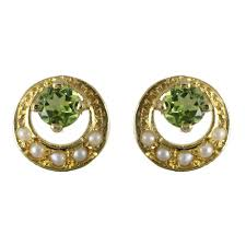 gold stud earrings uk 9ct yellow gold peridot pearl stud traditional stud earrings