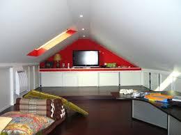 decoration chambre comble avec mur incliné decoration chambre comble avec mur inclin superbe decoration
