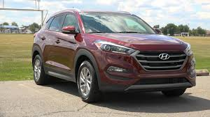 hyundai crossover 2015 2016 hyundai tucson review it u0027s boring but that u0027s a good thing