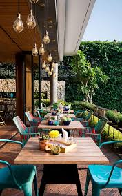 Italian Backyard Design by Best 25 Outdoor Restaurant Ideas On Pinterest Outdoor
