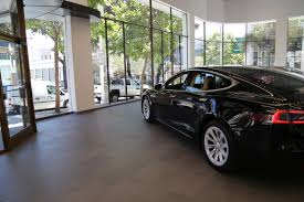 tesla outside check out tesla u0027s new san francisco store inbusiness