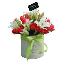 delivery flowers roses and lilies in a hat box flower delivery black orchid lebanon