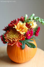 such a beautiful fall centerpiece idea would make a great