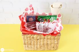 gift basket ideas 22 inspiring gift basket ideas that you can easily copy one