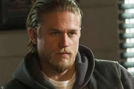 jax hair sons of anarchy season 7 charlie hunnam s jax a skull dominate