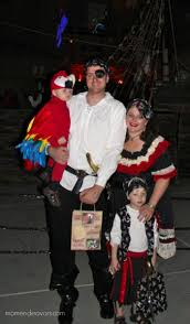 halloween costume for family quick u0026 easy diy pirate halloween costume