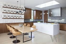 lairage de cuisine ambiance cosy par le luminaire led dans une cuisine moderne design