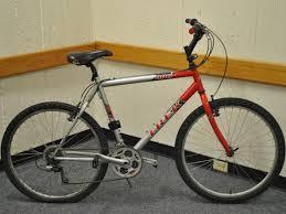 comment changer chambre à air vélo comment remplacer une chambre à air de vélo crevée sur un trek 800