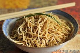 comment cuisiner les nouilles chinoises recette nouilles sautées la cuisine familiale un plat une recette
