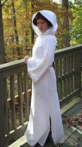 Princess Leia Costume Made From White Sheet Halloween Crafts