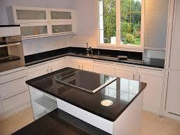 plan de travail en granit pour cuisine intérieur granit plan de travail en granit noir finition polie