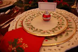 tablescape with lenox and a colonial williamsburg