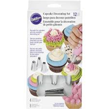 cookie and cake decorating tools wilton
