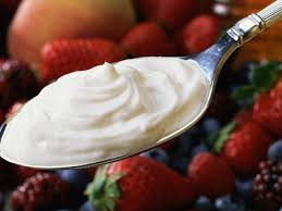 creme fraiche cuisine what s the difference between sour creme fraiche and yogurt