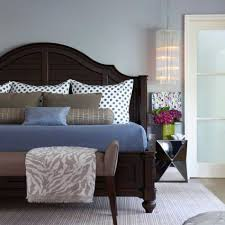 Mixing Furniture Styles by Decorate Your Bedroom In The New Traditional Style