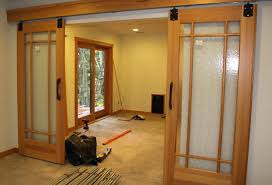 Closet Doors Sliding Lowes Sliding Barn Doors Lowes Available Photo Size Sliding Barn Door