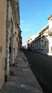 animali da cortile in centro abitato avola via galileo galilei e cortili le bellezze della sicilia